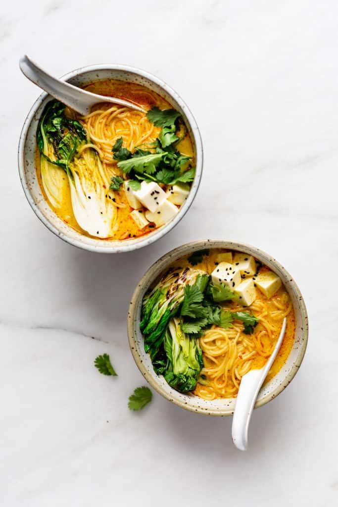 Vegetarian laksa in bowls
