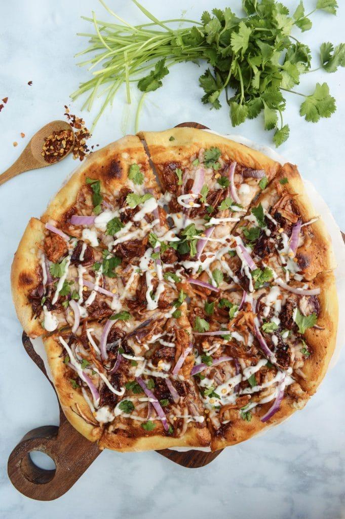 An overhead shot of vegan BBQ jackfruit pizza