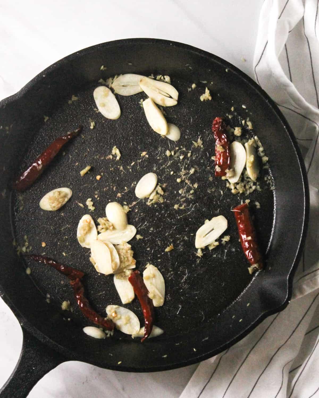 Sauteing garlic, ginger and red chili